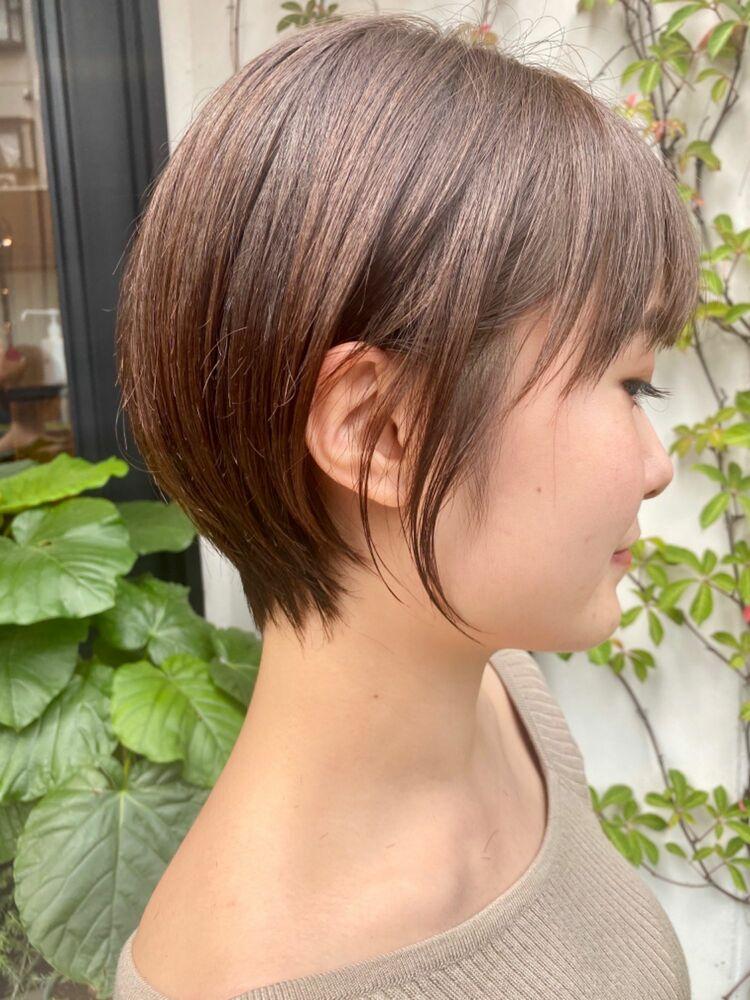 小顔ショート × アッシュブラウン