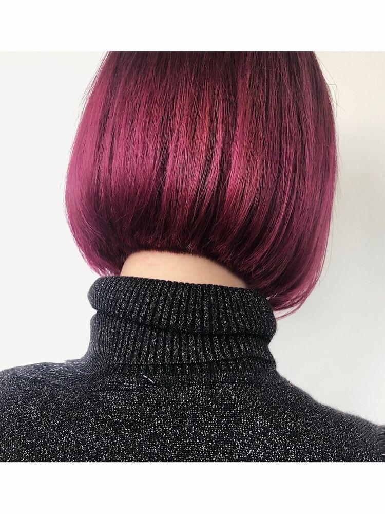 ラズベリーピンクのカラー切りっぱなしボブ⭐︎