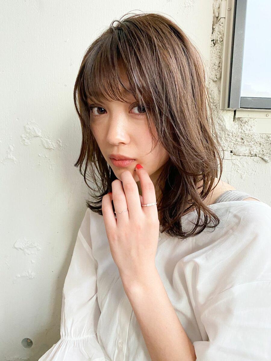 毛先ワンカール/ふんわり外ハネミディ