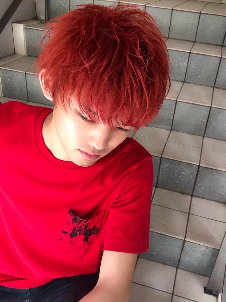 赤髪束感ショート