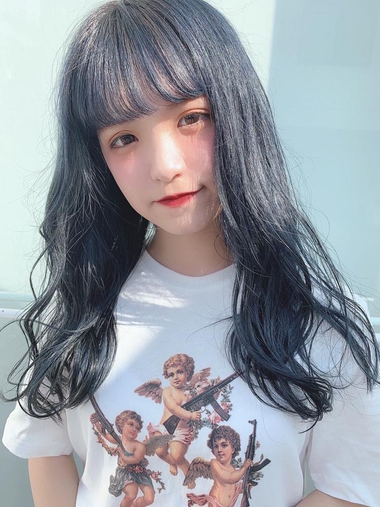 ブルーブラック、ブラック、ブルー、平巻き、内巻き、大人可愛い、フェミニン、前髪有り