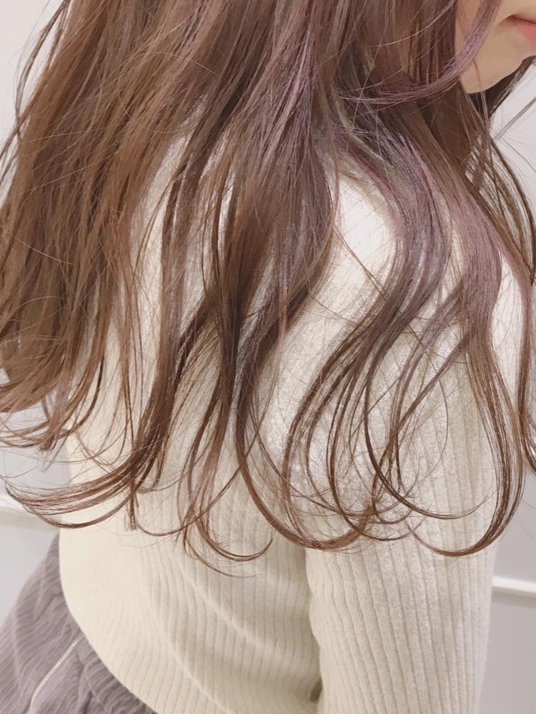 ウェーブ巻き、大人可愛い、フェミニン、前髪有り、ピンクグレージュ