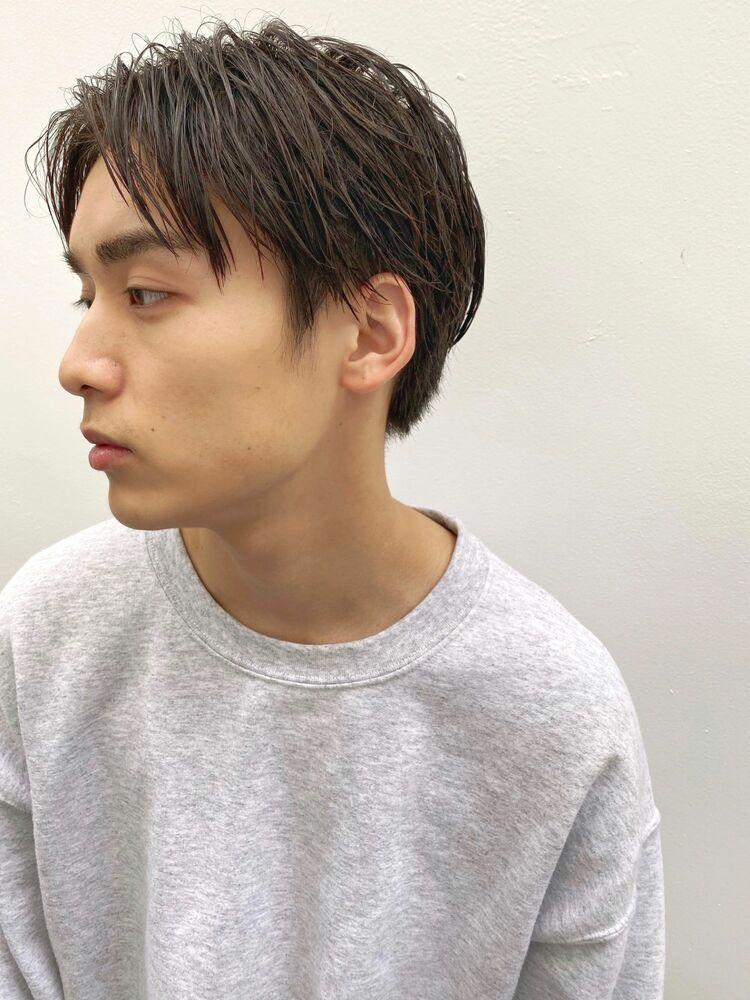 センターパートショート(人気NO.1)メンズカット+似合わせパーマ 10450円 → 8800円