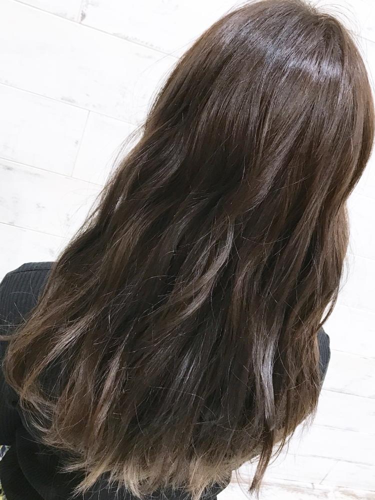 joemi by unami/新宿駅直結 土井陸透明感グレージュの重めロング