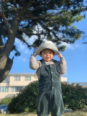 帽子の似合う子供