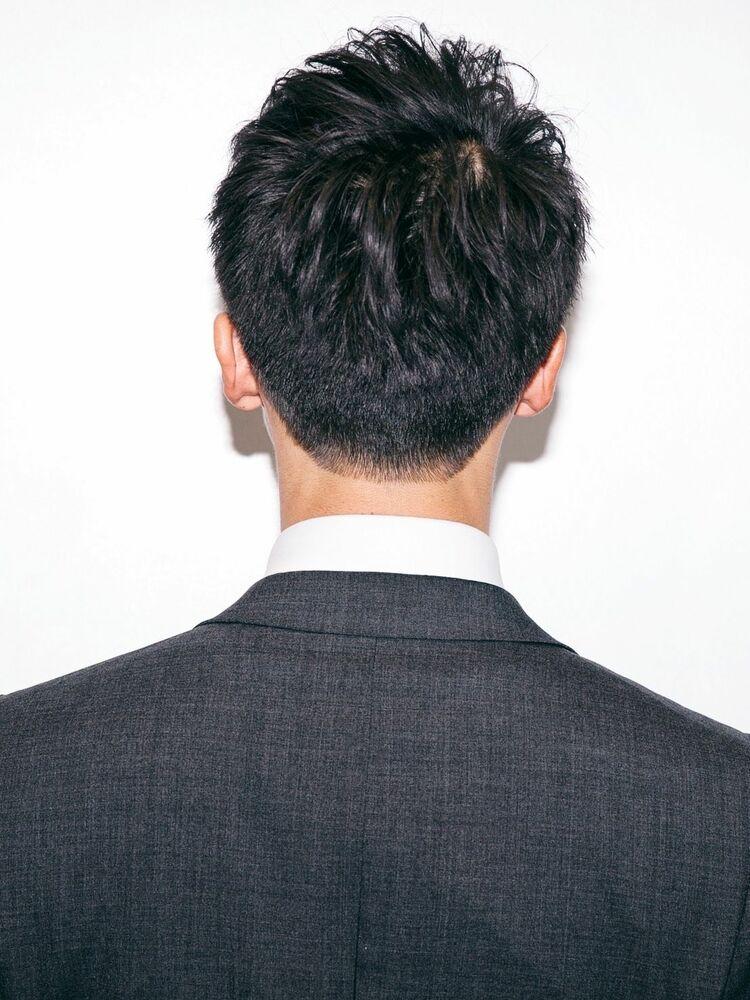 セミウェットなかき上げヘア高感度の高い2wayビジネスショート