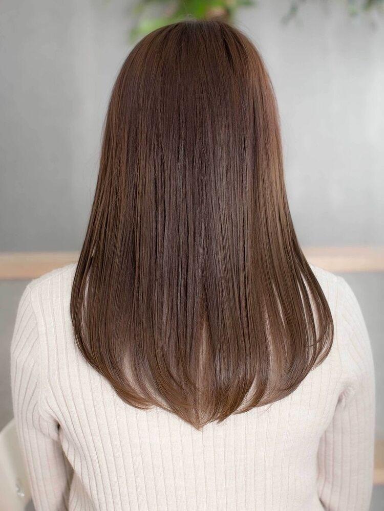 〈韓国レイヤーカット〉大人かわいい前髪とシンプルストレートヘア
