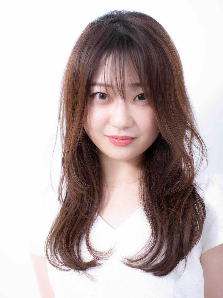 〈韓国レイヤーカット〉顔まわりにくびれを作る大人かわいいヘア