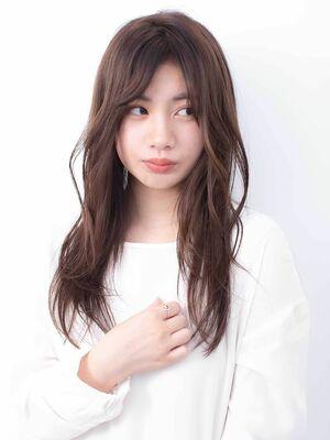 〈韓国レイヤーカット〉軽やかな大人かわいいミディアムヘア