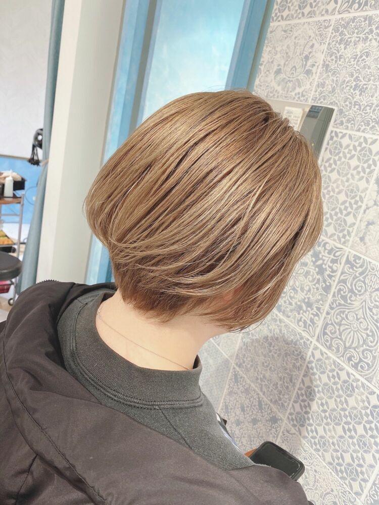 津賀涼 透明感ベージュで大人可愛いく‼︎大人美人ショートヘア
