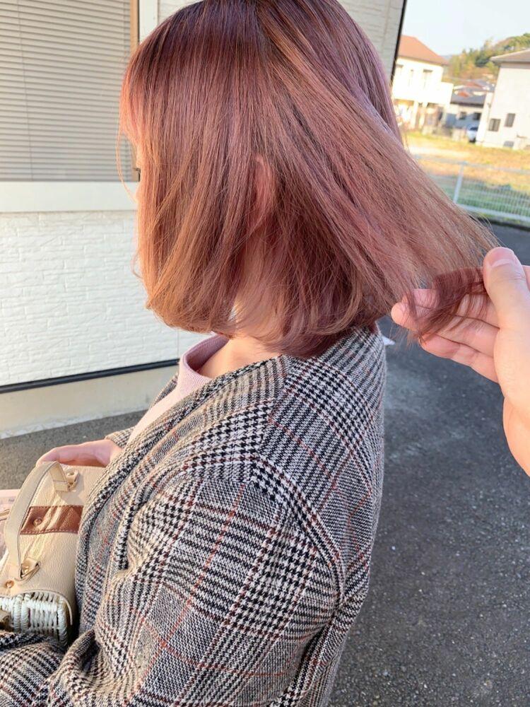 ケアブリーチで明るくしたサーモンピンクのヘアカラー☆