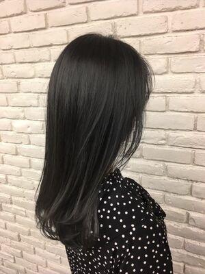 暗髪ツヤカラー/すきバサミをつかわないカット
