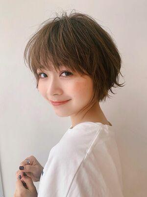 LIPPS銀座安田愛佳_ラフで大人可愛いショートヘアベージュカラー