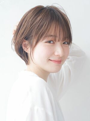 LIPPS銀座安田愛佳_シースルーバング丸みくびれショート