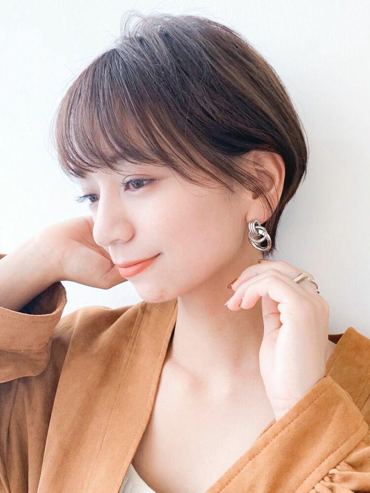 LIPPS銀座安田愛佳_大人可愛い耳掛け丸みショートヘア