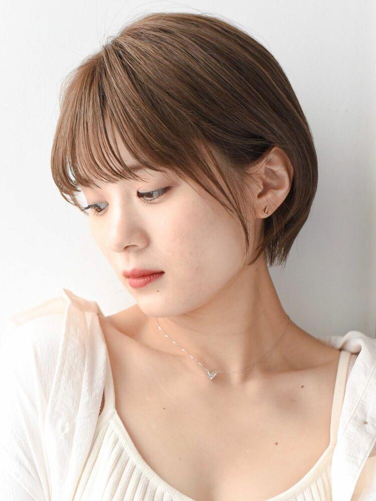 LIPPS銀座安田愛佳_大人可愛いぱっつん前髪透明感ベージュナチュラルショートボブ