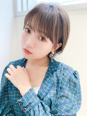 LIPPS銀座安田愛佳_耳かけ丸みショートワイドバング
