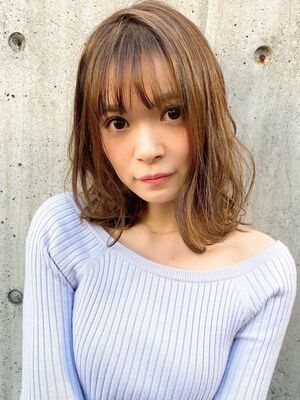 前髪カットがうまい美容師 徳永利彦MINX 銀座二丁目店 店長『小顔に見えるミディアムレイヤー』