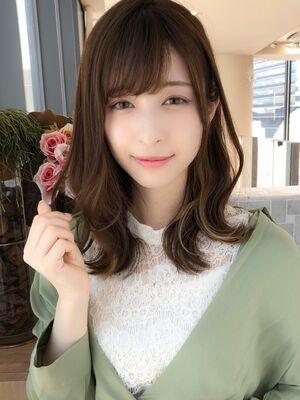 前髪カットがうまい美容師 徳永利彦MINX銀座二丁目店『小顔に見せる前髪 ミディアムヘア』