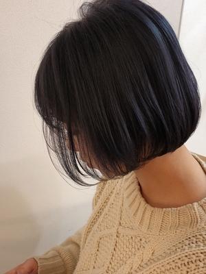 ミニボブ×艶髪ストレート