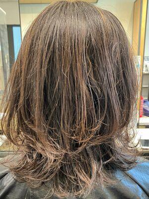 ウィービングハイライトで髪への負担を抑えて明るく