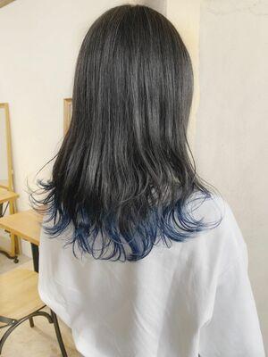 裾カラー×ディープブルー