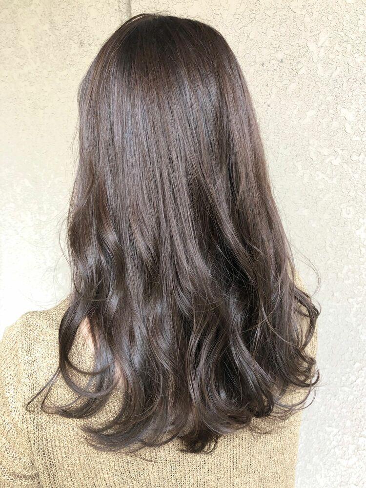 ツヤ髪ゆるふわ春ほんのりピンクグレージュ