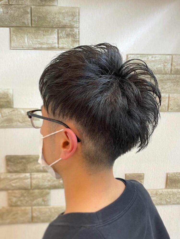 黒髪×アップバング×ツーブロック
