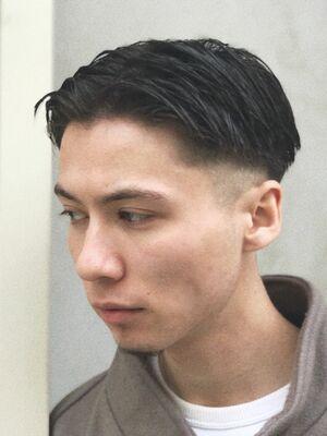 潔く刈り上げとセンターパート。難易度高めヘアを是非☆atLAV by Belle 小林裕司