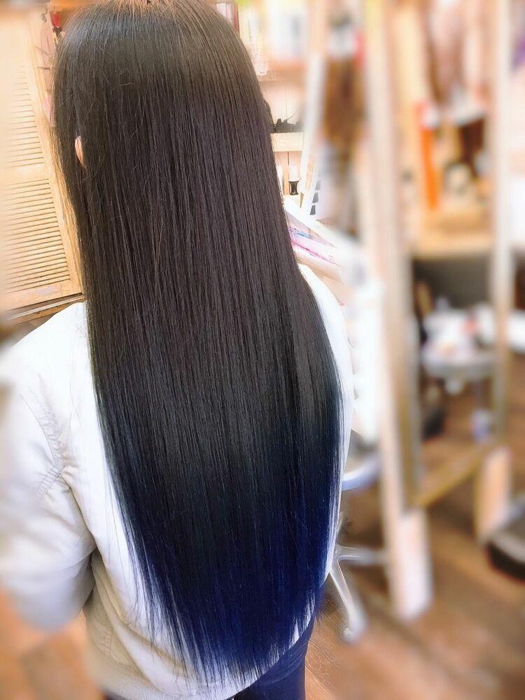 お客様のお顔の骨格と毛流れとクセにあわせて、縮毛矯正をして水素トリートメントで髪質改善してます