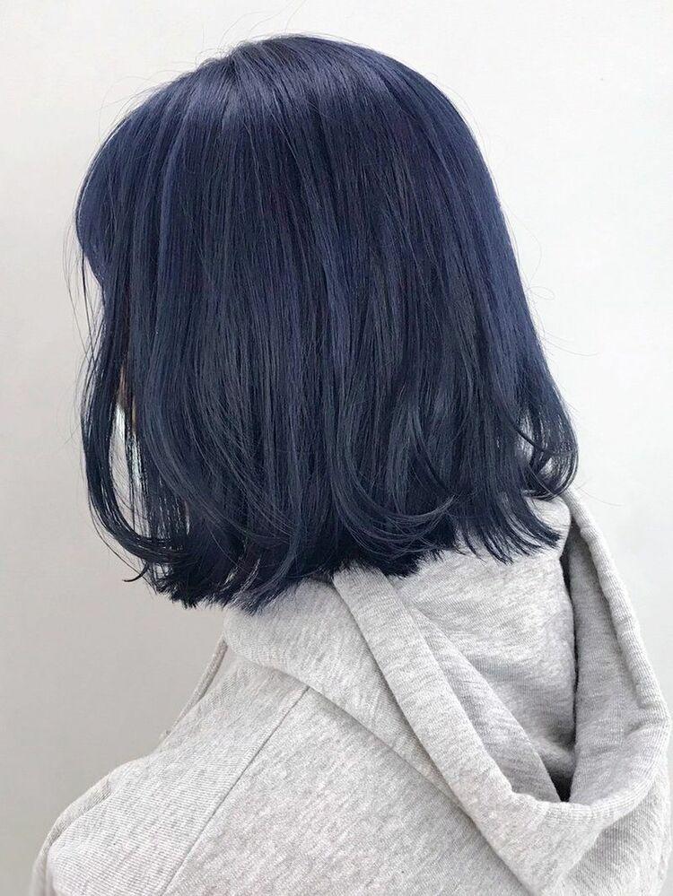 暗髪ブラック×透明感ブルー