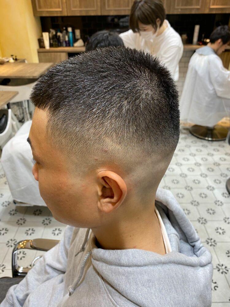 スキンフェードカット BUZZCUT GROOMER/S TOKYO伊藤
