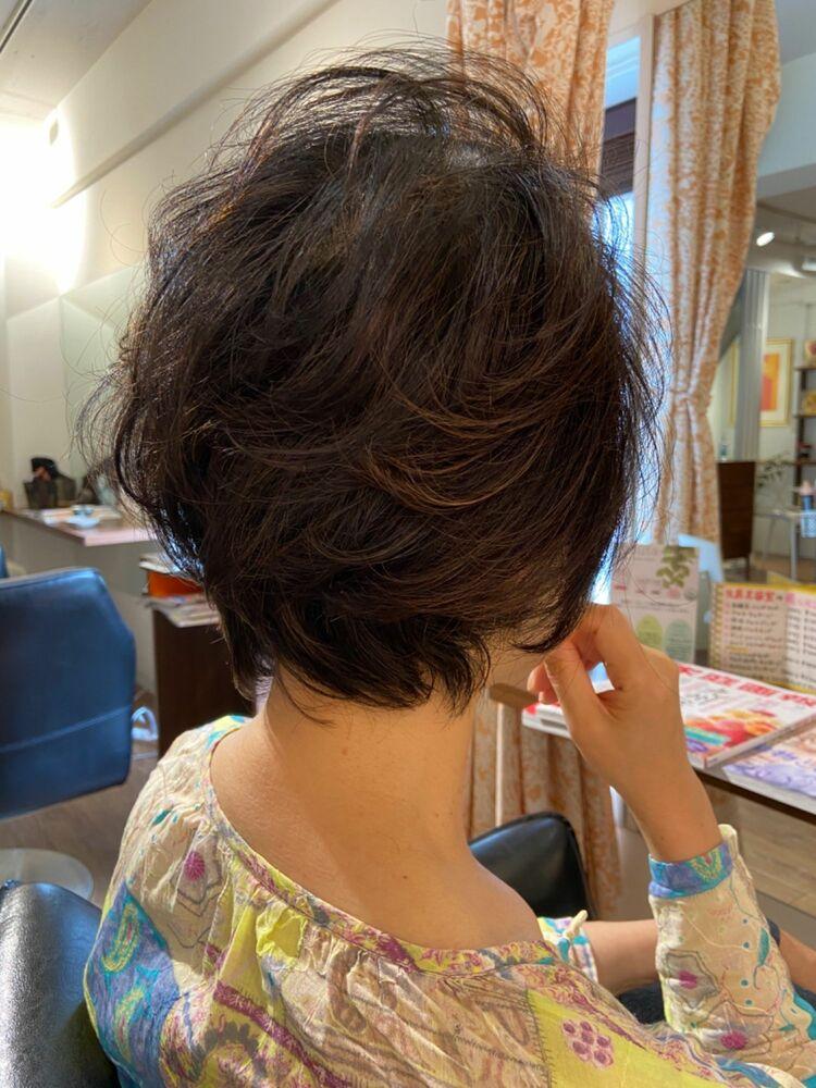50代ミセスのボリュームアップヘア★ゆるふわウェーブ&メッシュで上品なお洒落ショートスタイル