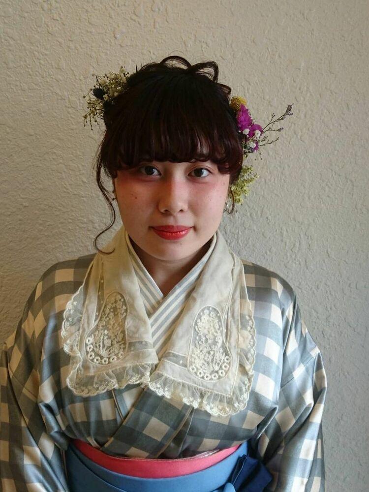 卒業式の早朝ヘアメイク&袴着付け&袴レンタル☆髪飾りは生花で周りと差をつけて☆