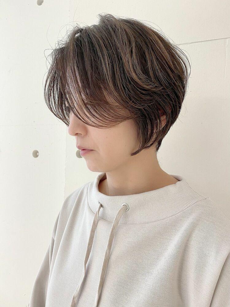 ショートヘア くすみカラー ハイライトカラー 透明感