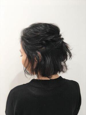 黒髪×ハーフアップ