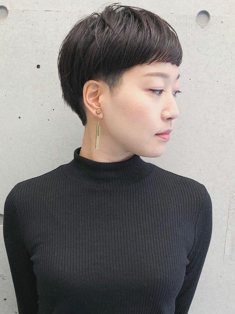 前髪短め刈り上げマッシュショート