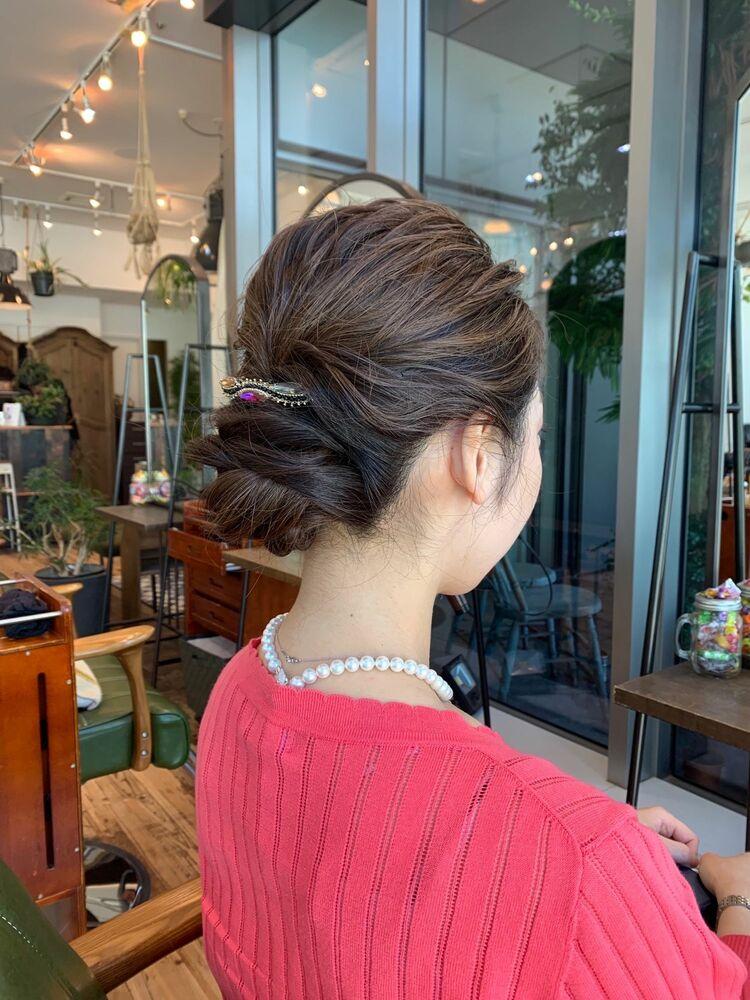 結婚式や、二次会のお呼ばれに簡単アレンジヘア