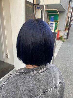 内巻きボブ濃紺カラー