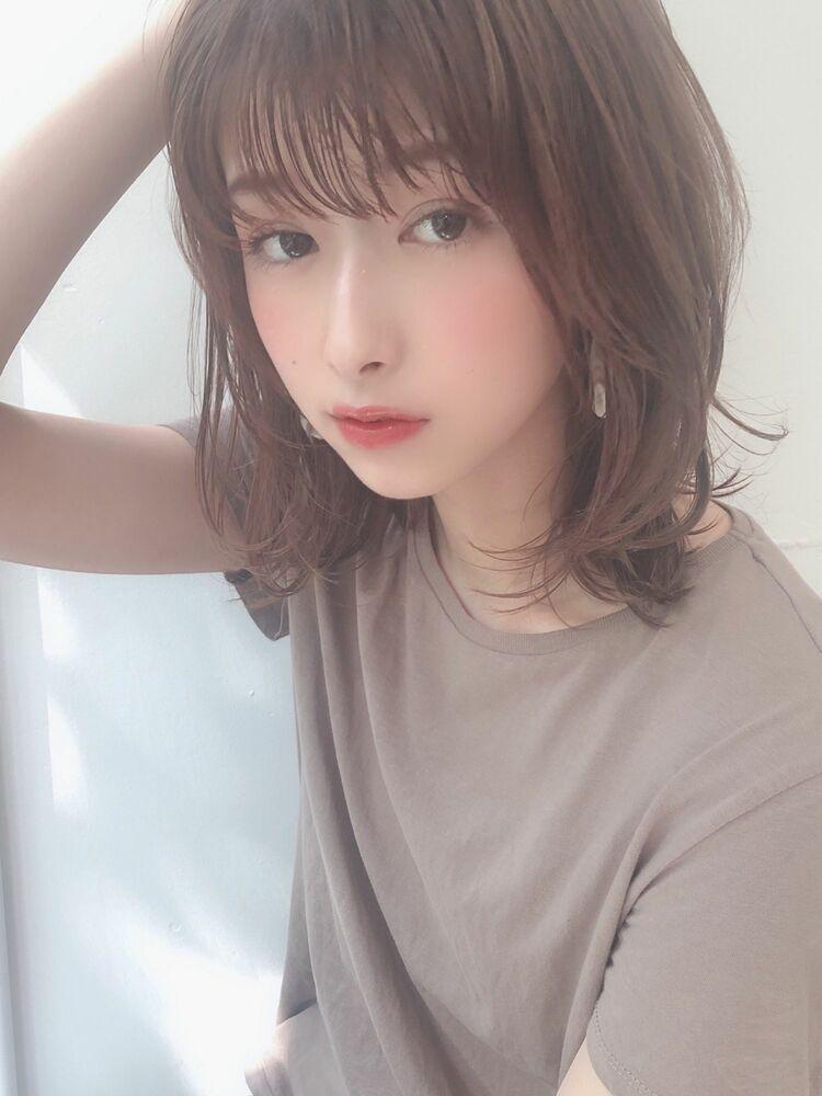 KAYAK渋谷 小室里奈 前髪あり×愛されモテ×ミディアムレイヤー×グレージュ×小顔ヘア
