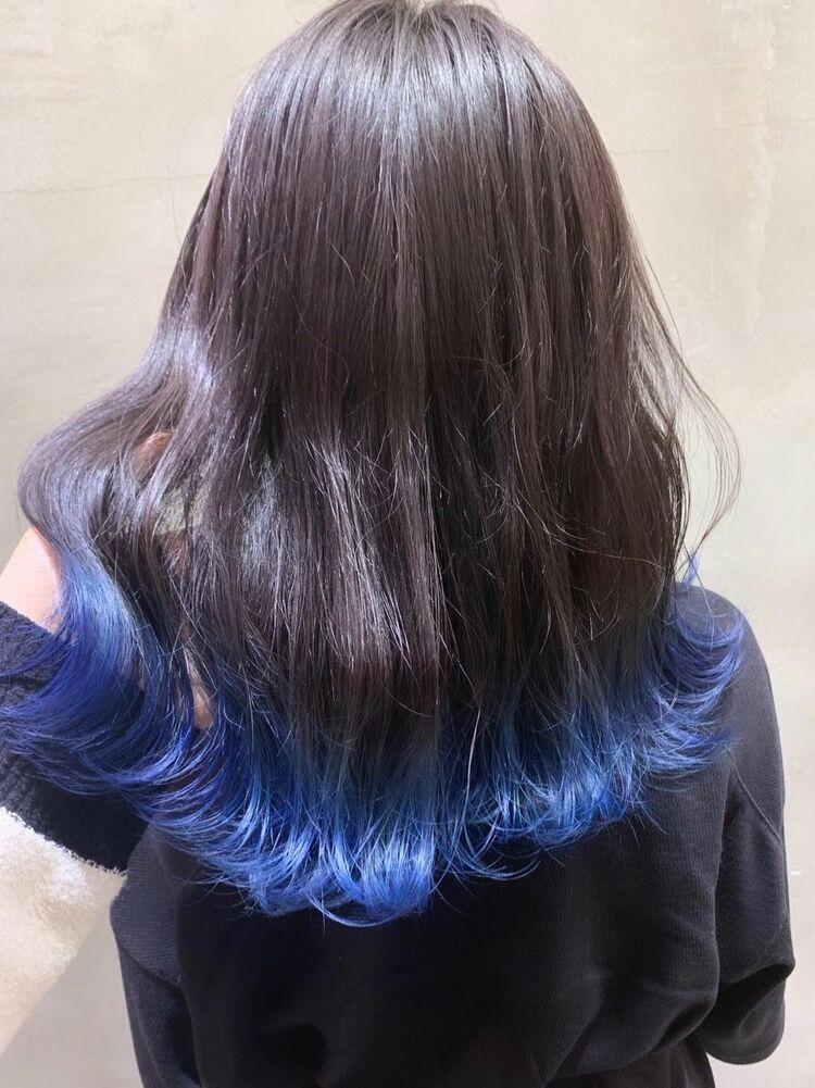 裾カラー×オーシャンブルー