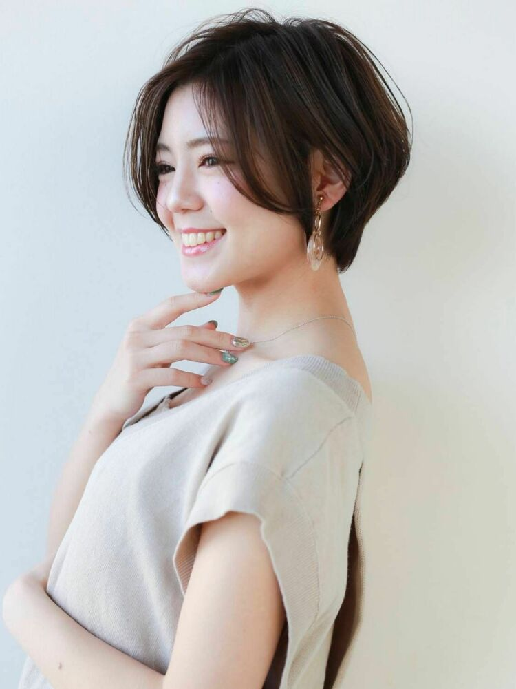 STAR TOKYO岸 ひし形ショートカットの小顔カット