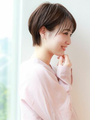 STARTOKYO岸 ひし形ショートカットの小顔「渋谷渋谷駅/ボブカット&ショートカット」