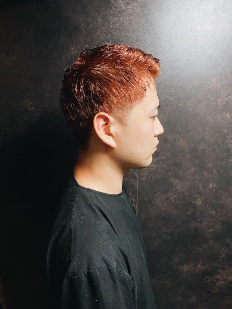 ツーブロック×オレンジヘア