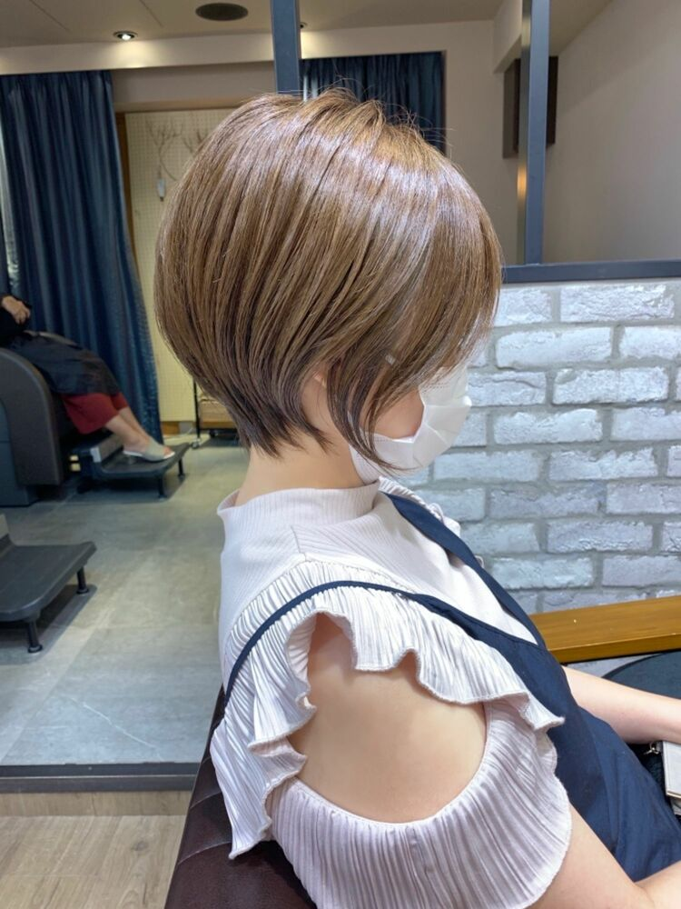 秋のハイトーンカーキ  30代40代mag ginza 安藤渉 大人ショート