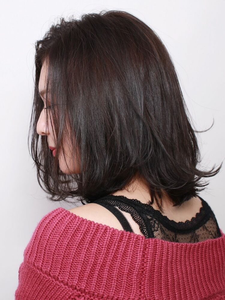 かき上げ前髪で女っぽく美フォルムの長めボブ