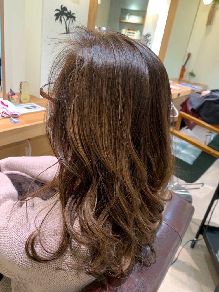 ゆったりオトナの巻き髪セミディ