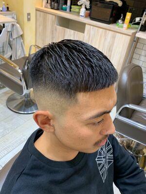 『クロップ』第一印象は髪型で決まる!日本最高峰のカット技術!GROOMER/S TOKYO