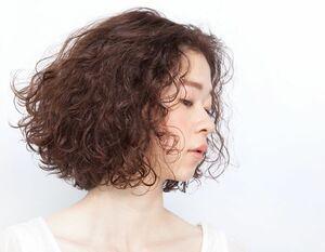 髪の毛に躍動感を出してくれるバウンシーカーリー。