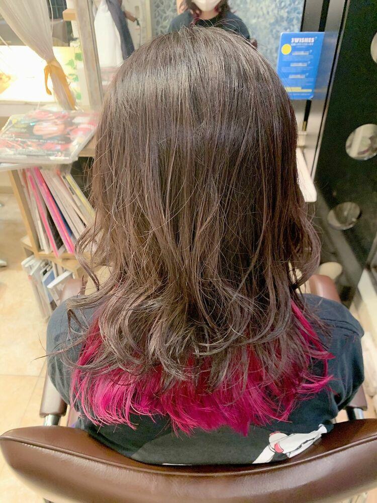 ピンクインナーカラー/派手髪